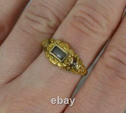 Early Victorian 22 Carat Gold Locket Panel Mourning Signet Ring