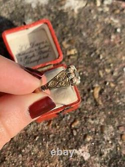 Georgian 15ct Yellow Gold Pearl Locket Front Mourning Ring with Ornate Shoulders